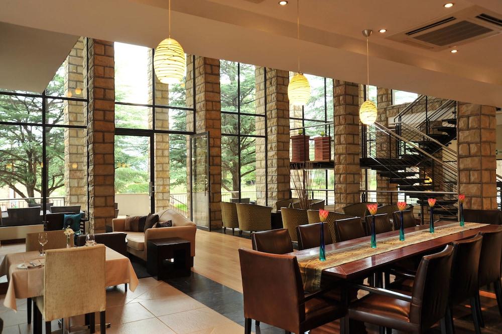 프로테아 호텔 바이 메리어트 클라렌스(Protea Hotel by Marriott Clarens) Hotel Image 56 - Restaurant