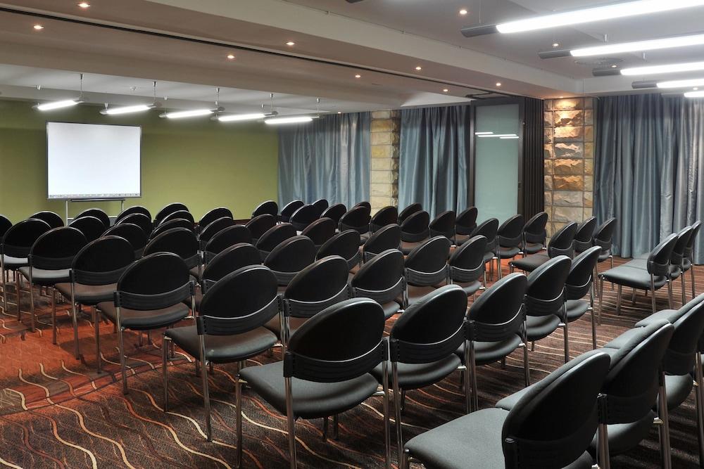 프로테아 호텔 바이 메리어트 클라렌스(Protea Hotel by Marriott Clarens) Hotel Image 69 - Meeting Facility