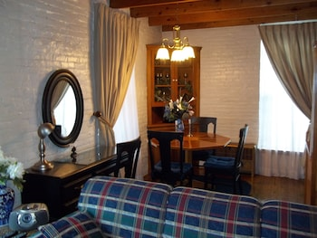 Hotel - The Rivers Edge Executive Suites