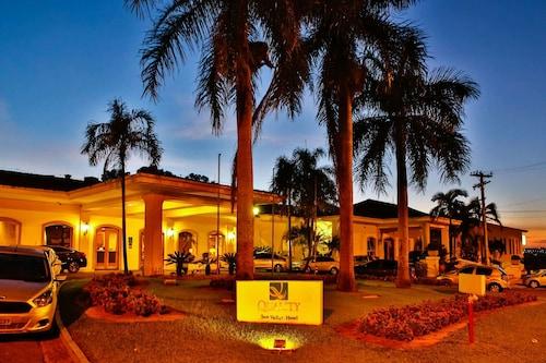 . Quality Hotel & Convention Center Marília