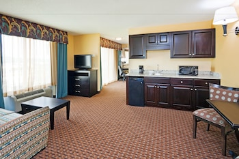 Holiday Inn Express & Suites Somerset Central - Guestroom  - #0
