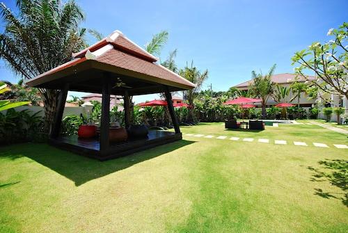 . Palm Grove Resort