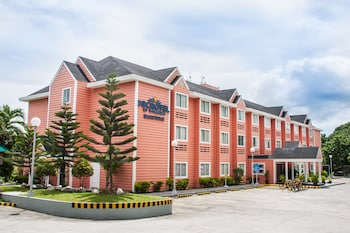 MICROTEL BY WYNDHAM – EAGLE RIDGE, CAVITE