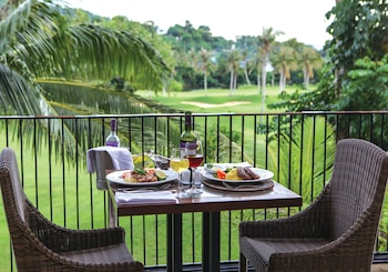 Fairways and Bluewater Resort Boracay Restaurant