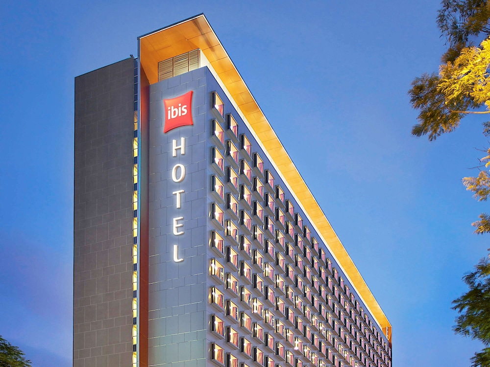 ibis Singapore On Bencoolen, Featured Image