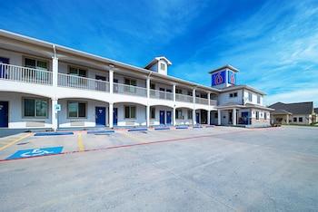 Hotel - Motel 6 Rhome