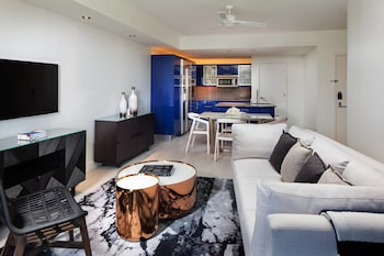 Escape, 1 Bedroom Residential Suite, 1 King, Sofa bed