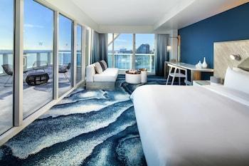 Studio, 1 King Bed, Balcony, Oceanfront (Sensational, High Floor)
