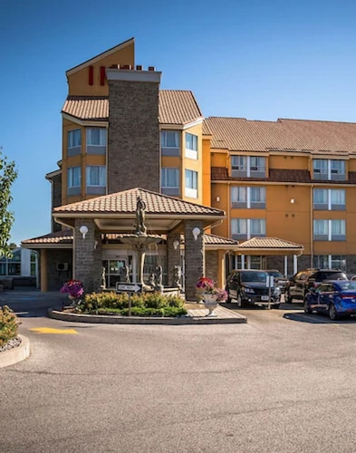 . Monte Carlo Inn Barrie Suites