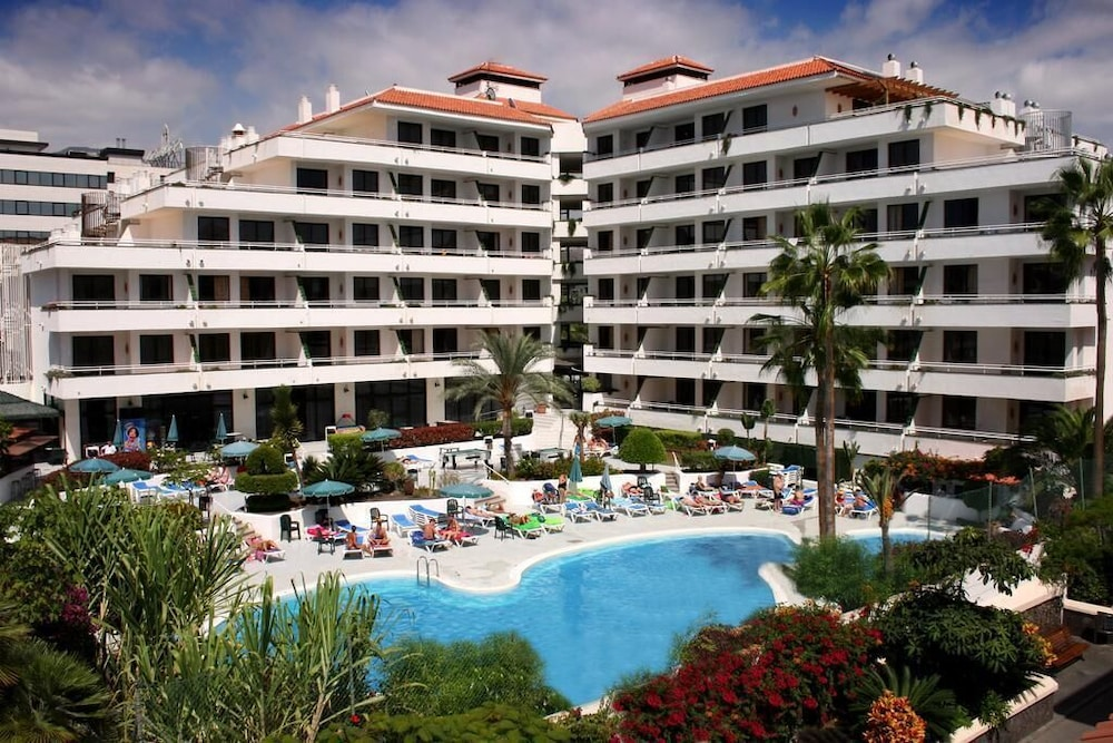 Hotel Andorra, Featured Image