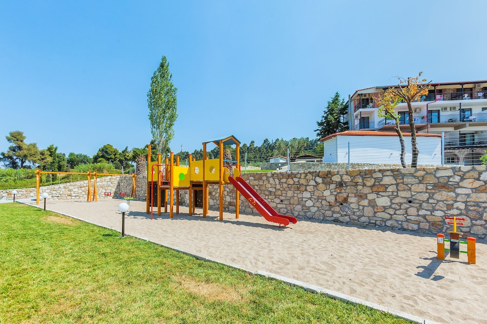 호텔 크리오피지(Hotel Kriopigi) Hotel Image 107 - Childrens Play Area - Outdoor