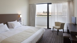 Double Or Twin Room, Balcony, Partial Sea View