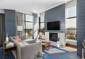 Penthouse, 1 Bedroom (West)