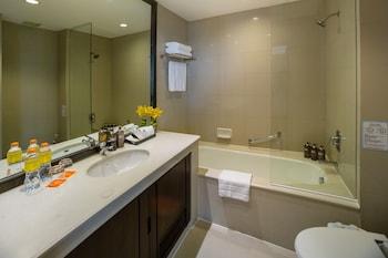 Bandara Suites Silom Bangkok - Bathroom  - #0