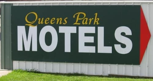 . Queens Park Motels