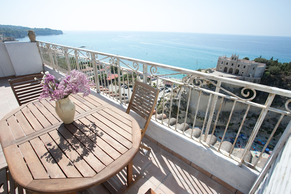 Hotel Villa Antica, Featured Image