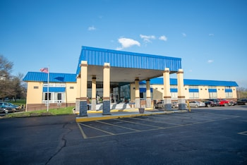 Days Inn by Wyndham Fort Wright Cincinnati Area
