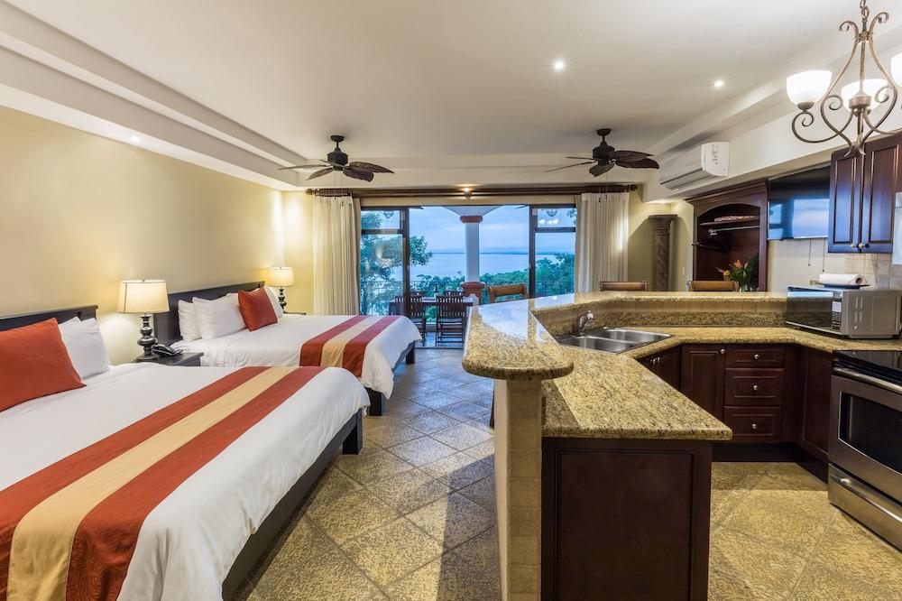 https://i.travelapi.com/hotels/3000000/2360000/2351800/2351763/89fd7b01_z.jpg