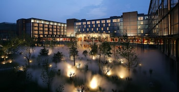 Hotel - The Lake View Hotel Beijing