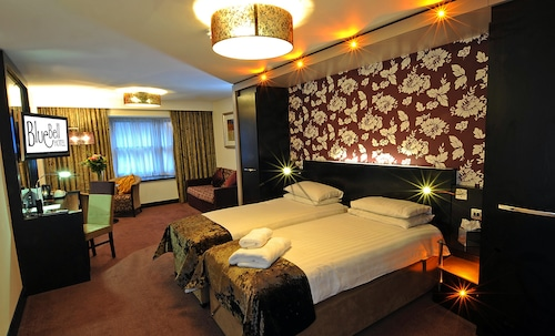 __{offers.Best_flights}__ The Bluebell Hotel