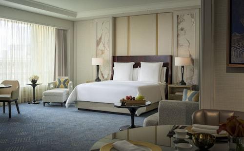 Four Seasons Hotel Macao at Cotai Strip, Cotai