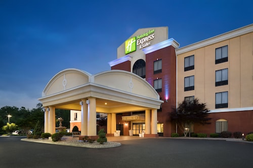 . Holiday Inn Express Knoxville-Clinton