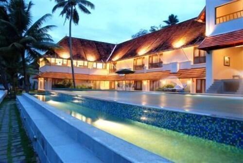 . Lemon Tree Vembanad Lake Resort, Kerala