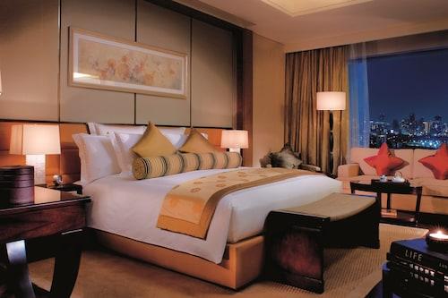 . The Ritz-Carlton, Shenzhen