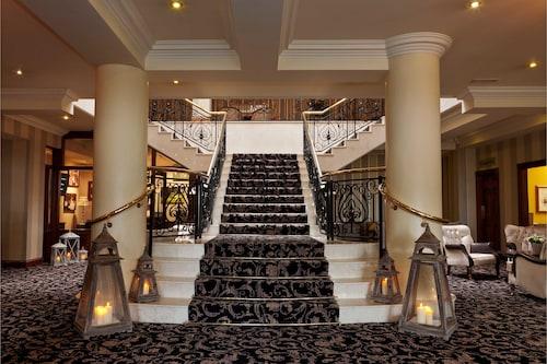 . Ashdown Park Hotel