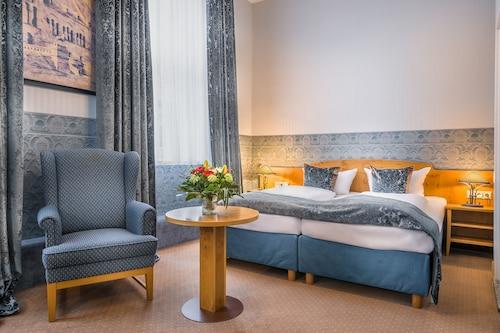__{offers.Best_flights}__ Hotel Kaiserworth