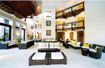 Lobby Sitting Area at Oaks Santai Resort Casuarina in Kingscliff