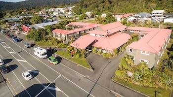 Heartland Hotel Glacier Country - Aerial View  - #0