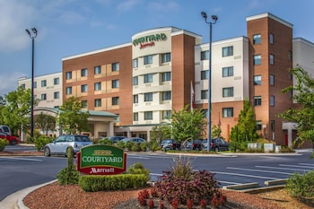 Greensboro Vacations - Courtyard Greensboro Airport - Property Image 1