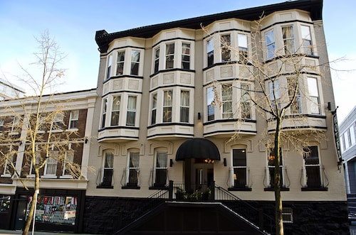 Victorian Hotel, Greater Vancouver