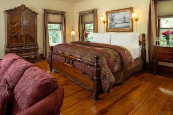 Room, Private Bathroom (Captain's Room- Inn, Includes Breakfast, No Pets)