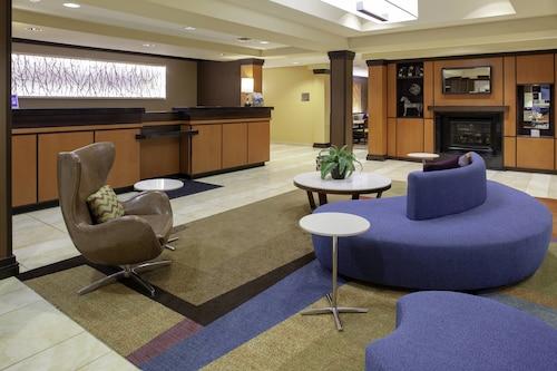 . Fairfield Inn & Suites Seymour