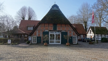 德馬德哈蘇飯店 DreiMädelHaus - Restaurant & Hotel