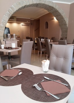 Hotel Centrale - Breakfast Area  - #0