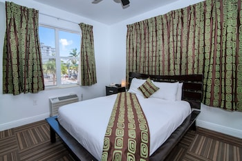 Hotel - Ocean Reef Suites, South Beach