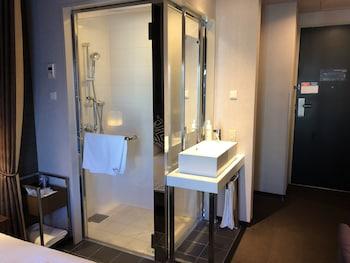 HOTEL GRACERY TAMACHI Bathroom Shower