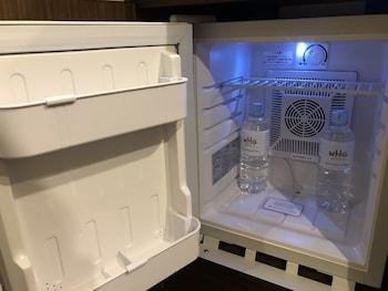 HOTEL GRACERY TAMACHI Mini-Refrigerator