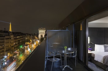 Room, 1 King Bed, Terrace, View (Paris Sky Eiffel view High floor)