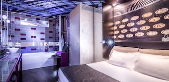Double Room with chromotherapy bath