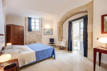 Hotel - Royal Maniace Hotel