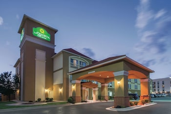 Hotel - La Quinta Inn & Suites by Wyndham Oklahoma City -Yukon