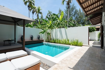 Two Sala Pool Villa Interconnecting