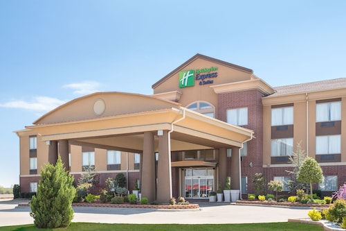 . Holiday Inn Express Hotel & Suites Pauls Valley