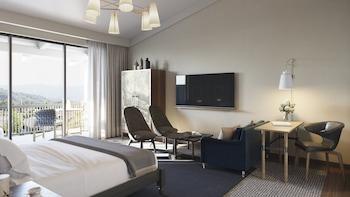 Deluxe Room, 2 Queen Beds, Ground Floor
