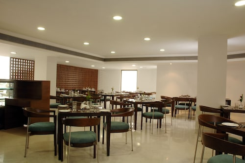 The Metropole Hotel, Ahmadabad