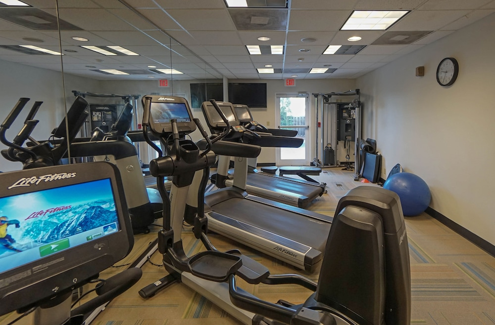 Health and Fitness : Fitness Facility 12 of 72